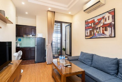 *Convenient One Bedroom Apartment Rental in Kham Thien street, Dong Da*