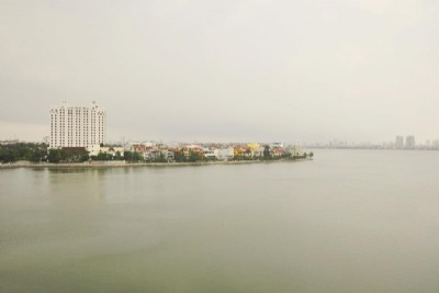 *Lake View 3 Bedroom Apartment Rental in Quang An street, Tay Ho District, Modern Amenities*