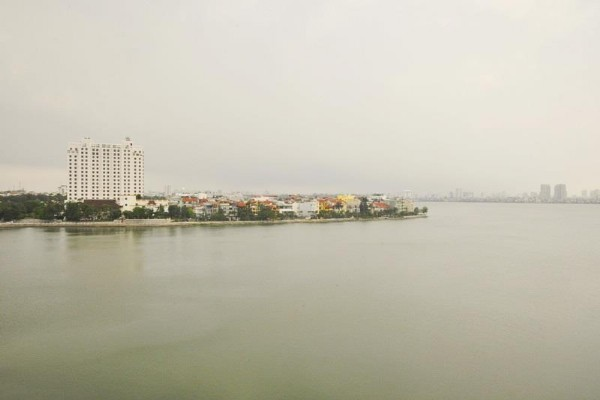 *Lake View 3 Bedroom Apartment Rental in Quang An street, Tay Ho District, Modern Amenities* 2